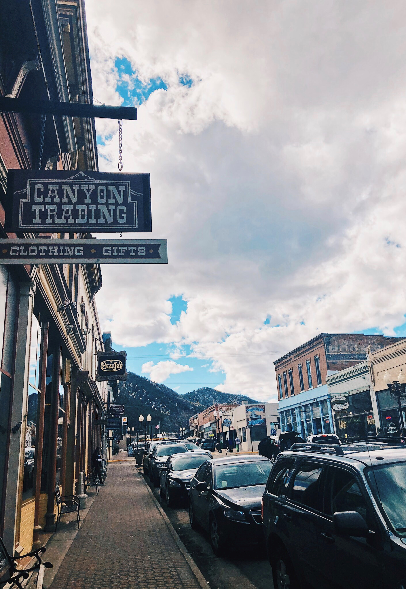 Kyler Wesp travels to Denver Colorado and explores the attractions of the Rocky mountains and city life while on a family vacation during spring break